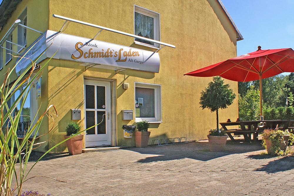 Schmidts Laden in Alt Garge - kleiner Supermarkt und Cafe